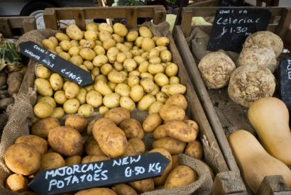 New potatoes on a market stall