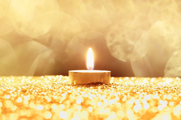 one golden candle